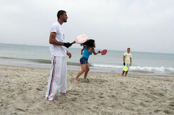 שחקני מטקות בחוף קרית חיים (צילום ארכיון)