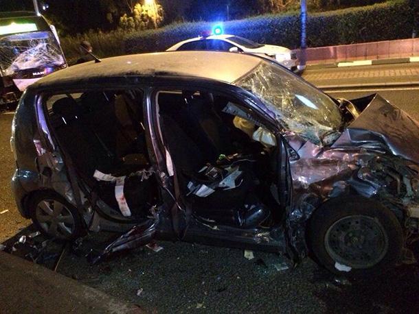 7 פצועים בתאונת דרכים בין מטרונית לרכב פרטי