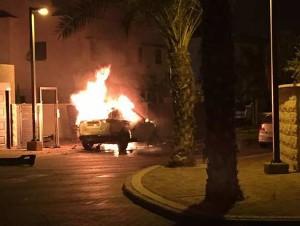 רכבו של אבן צור עולה באש